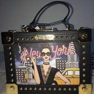 Box purse 👀